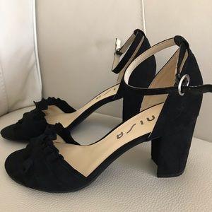c0919a53d495 Unisa Blk Suede Sandal 9.5 Ankle Strap Block Heel